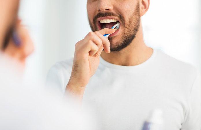 Jak dbać o zdrowie jamy ustnej – kilka praktycznych porad